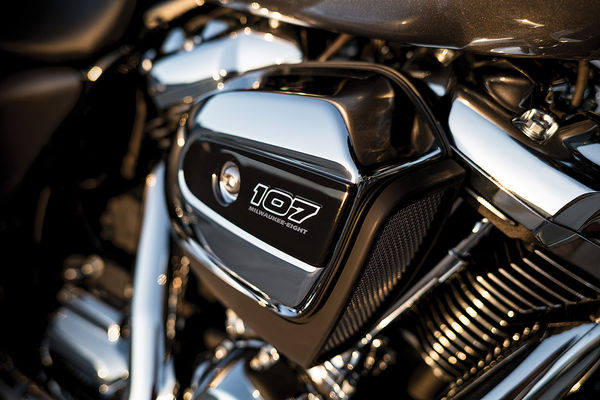 harley-davidson-milwaukee-eight-v-twin-engine-lead