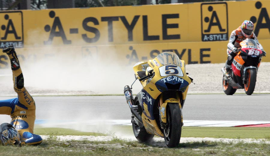 nicky-hayden-e-colin-edwards-gp-da-holanda-2006