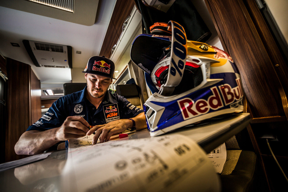 toby-price-road-book-dakar
