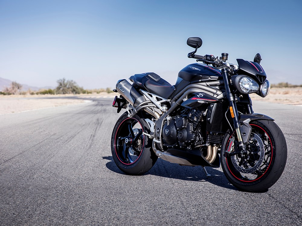 triumph-speed-triple-rs-2018-1