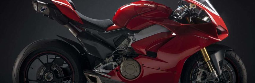 ducati-panigale-v4-with-termignoni-exaust