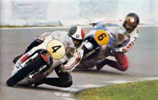 barry-sheene-e-giacomo-agostini-gp-da-holanda-1975